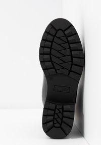 ONLY SHOES - ONLBRANKA TUPE BOOT - Platåstøvletter - black - 6