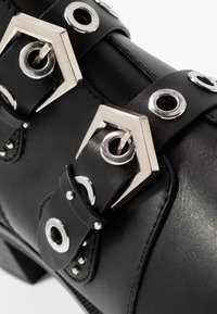 ONLY SHOES - ONLBRIGHT ZIP BUCKLE - Boots à talons - black - 2
