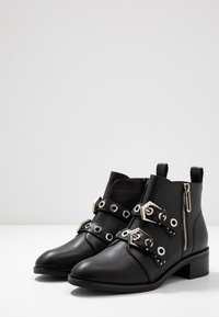 ONLY SHOES - ONLBRIGHT ZIP BUCKLE - Boots à talons - black - 4