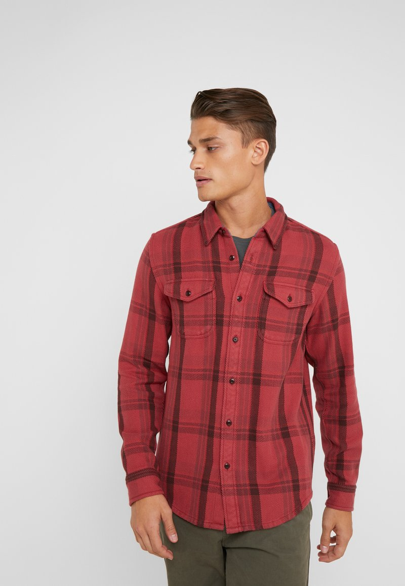 Outerknown - BLANKET - Skjorte - dusty red cusco