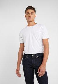 Outerknown - AMBASSADOR - Jeans Slim Fit - indigo - 3