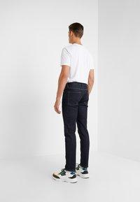 Outerknown - AMBASSADOR - Jeans Slim Fit - indigo - 2