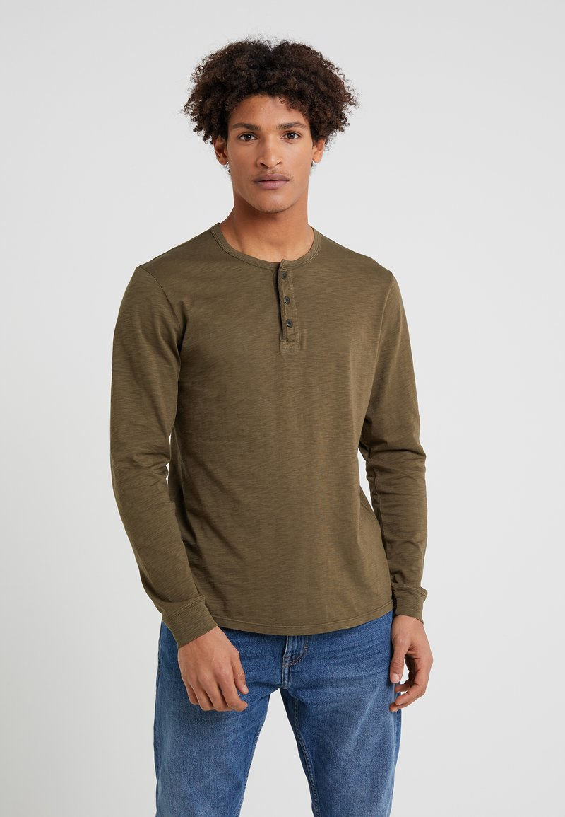 Outerknown - TRAILS HENLEY - Long sleeved top - fatigue