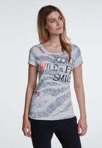Oui - Print T-shirt - grey - 0