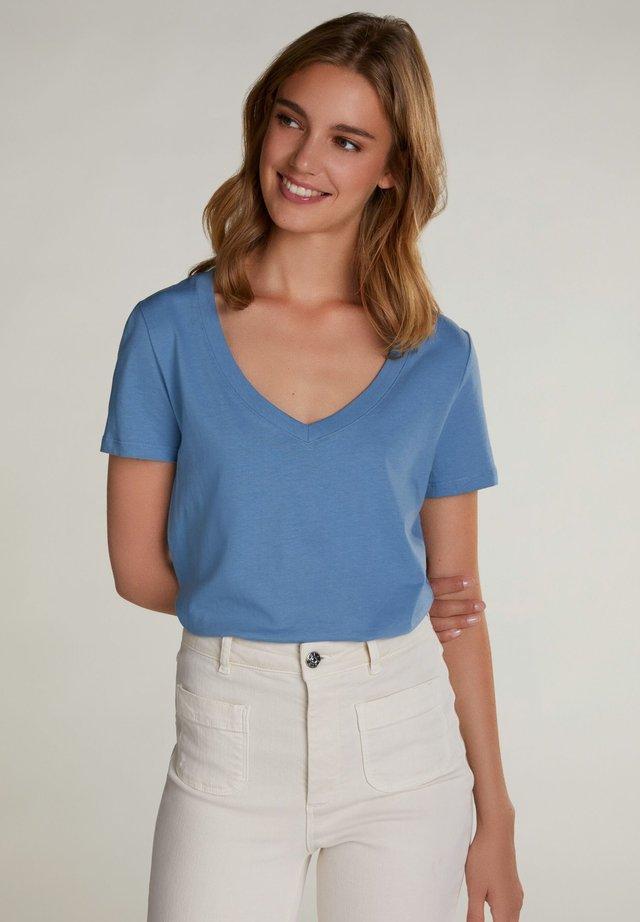 Basic T-shirt - Pantone