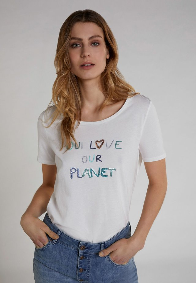 LOVE OUR PLANET - Print T-shirt - cloud dancer