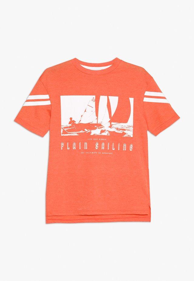 PLAIN SAILING TEE - Print T-shirt - orange