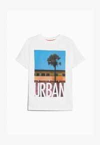 Outfit Kids - URBAN TEE - Triko spotiskem - white - 2