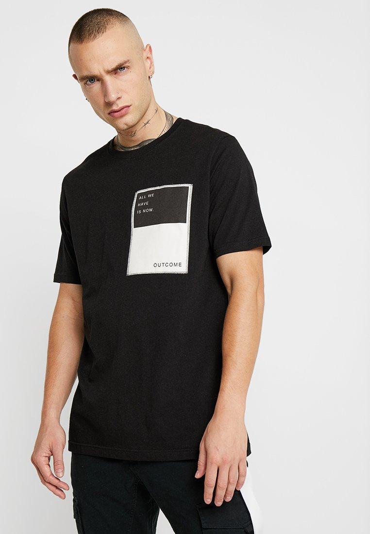 Outcome - Basic T-shirt - black