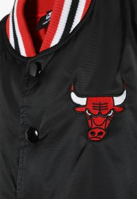 Outerstuff - NBA CHICAGO BULLS THROW BACK VARSITY JACKET - Equipación de clubes - black/red - 4