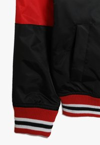 Outerstuff - NBA CHICAGO BULLS THROW BACK VARSITY JACKET - Equipación de clubes - black/red - 2