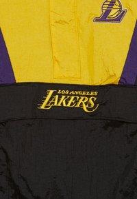 Outerstuff - NBA LOS ANGELES LAKERS WARM UP CRINKLED PACK  - Klubové oblečení - black/yellow - 4