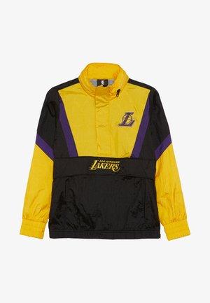 NBA LOS ANGELES LAKERS WARM UP CRINKLED PACK  - Vereinsmannschaften - black/yellow