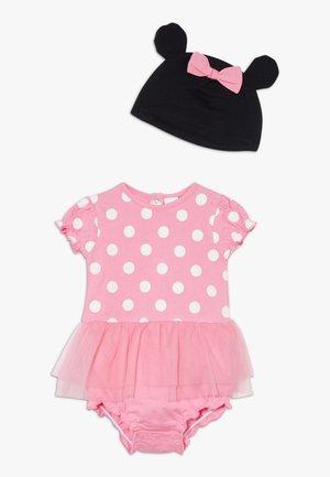 ROMPER HAT SET - Beanie - sachet pink
