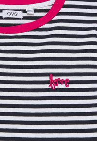 OVS - STRIPED  - Print T-shirt - night sky - 2