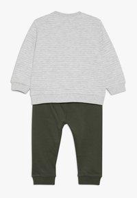 OVS - BABY JOGGING SET - Sweatshirt - beige melange - 1