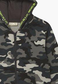 OVS - CAMO - Zip-up hoodie - phantom - 3