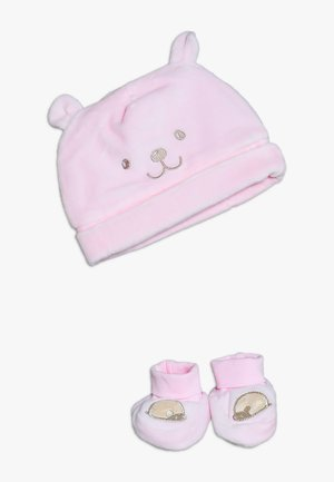 BABY HAT SHOES SET  - Huer - pink lady