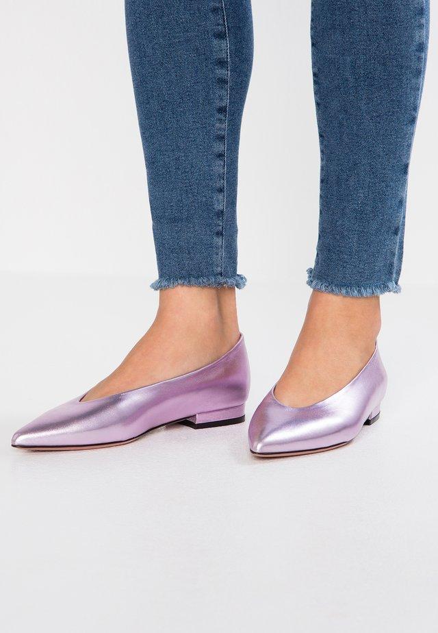 GHIRA - Ballet pumps - lame lila