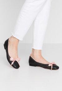 Oxitaly - LORENA - Ballet pumps - black/pink - 0