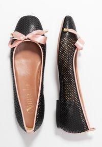 Oxitaly - LORENA - Ballet pumps - black/pink - 3