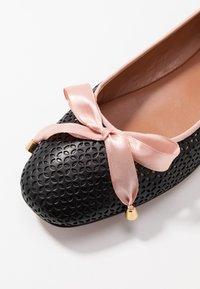 Oxitaly - LORENA - Ballet pumps - black/pink - 2