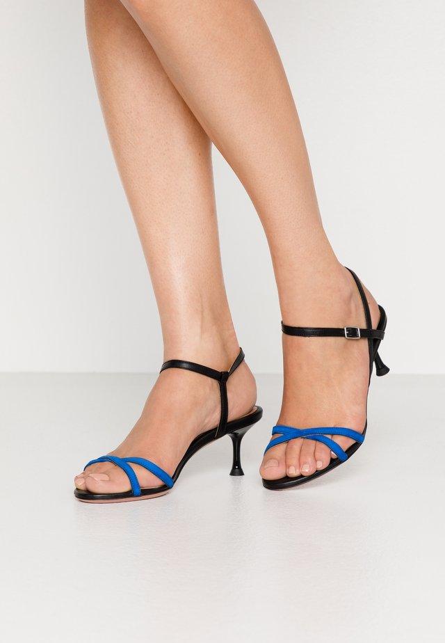 PERLA - Sandals - curacao/nero