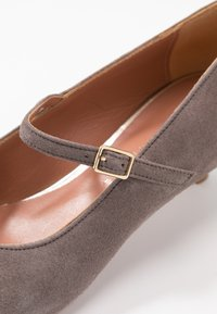 Oxitaly - SAMMY - Classic heels - taupe - 2