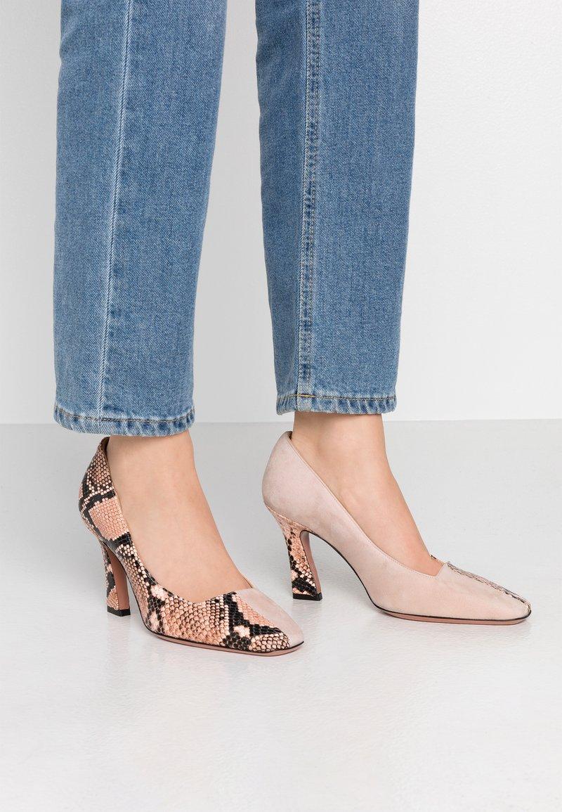 Oxitaly - LEANDRA - High heels - rosa