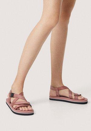Sandales à plateforme - rose