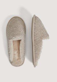 OYSHO - Slippers - brown - 2