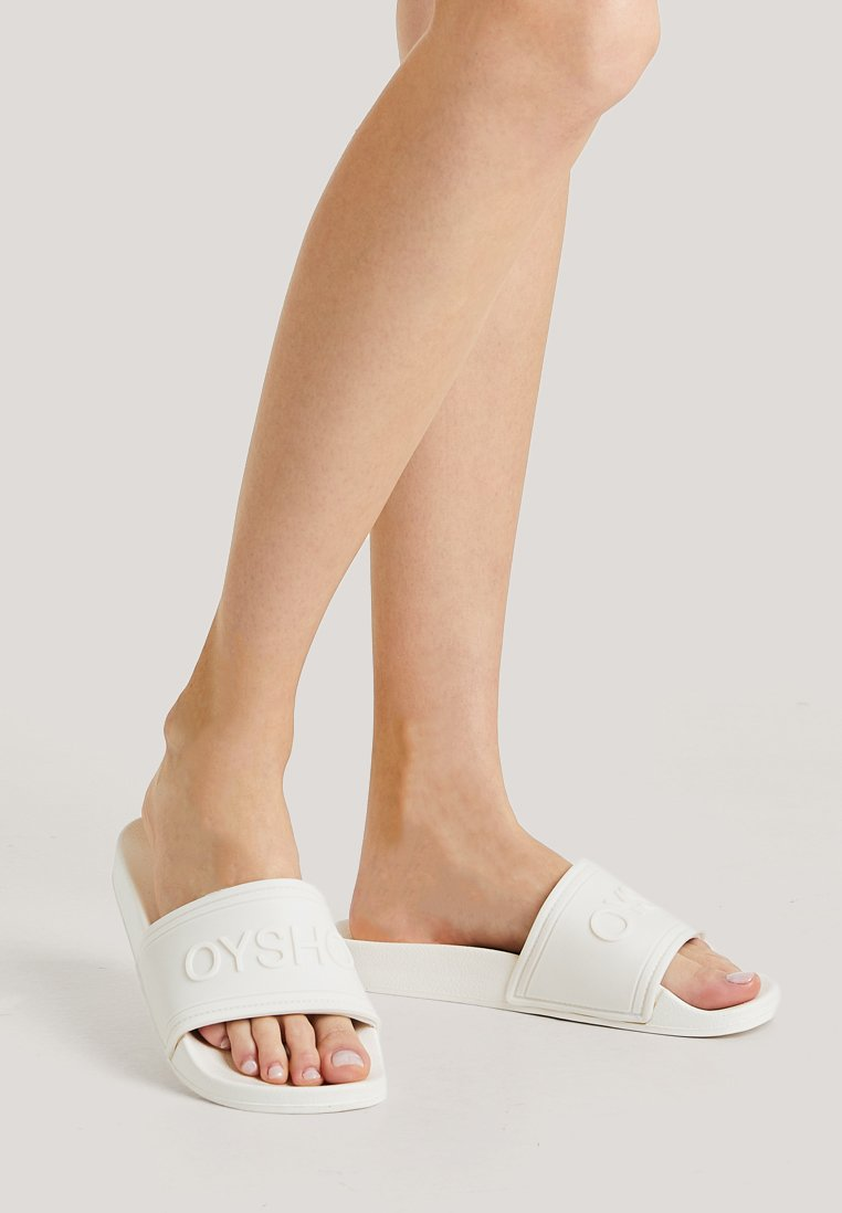 OYSHO_SPORT - MIT LOGO - Pool slides - white