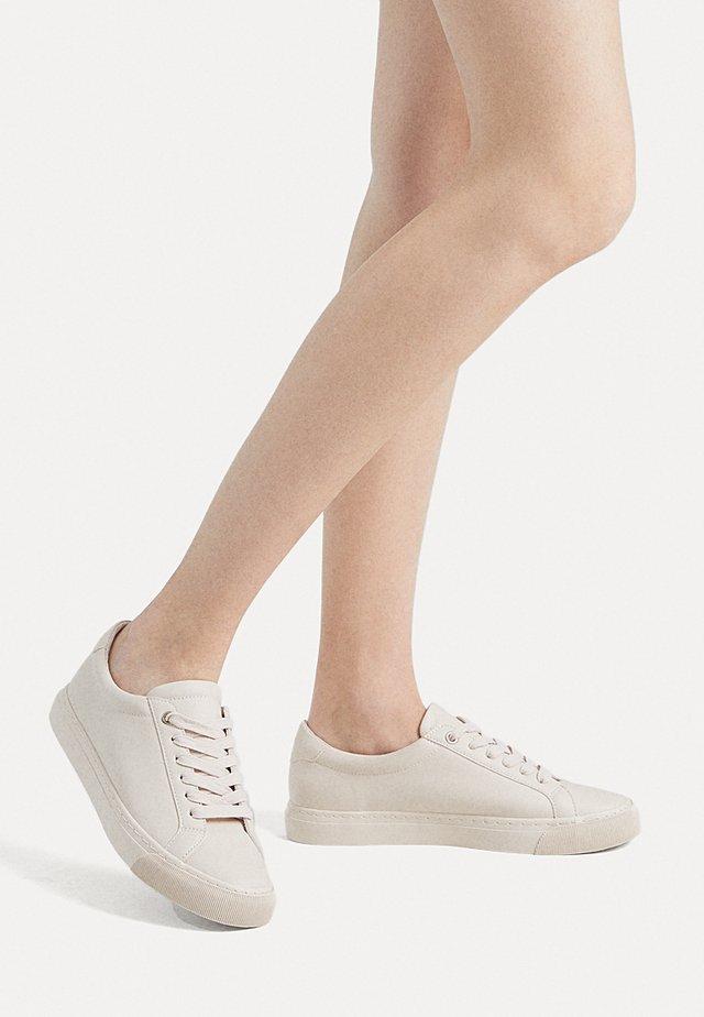 LEICHTE UNIFARBENE SPORTSCHUHE 11261580 - Sneakers - beige