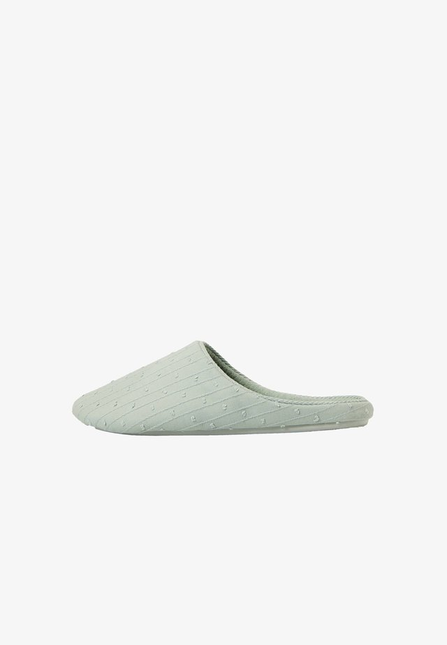 Slippers - green