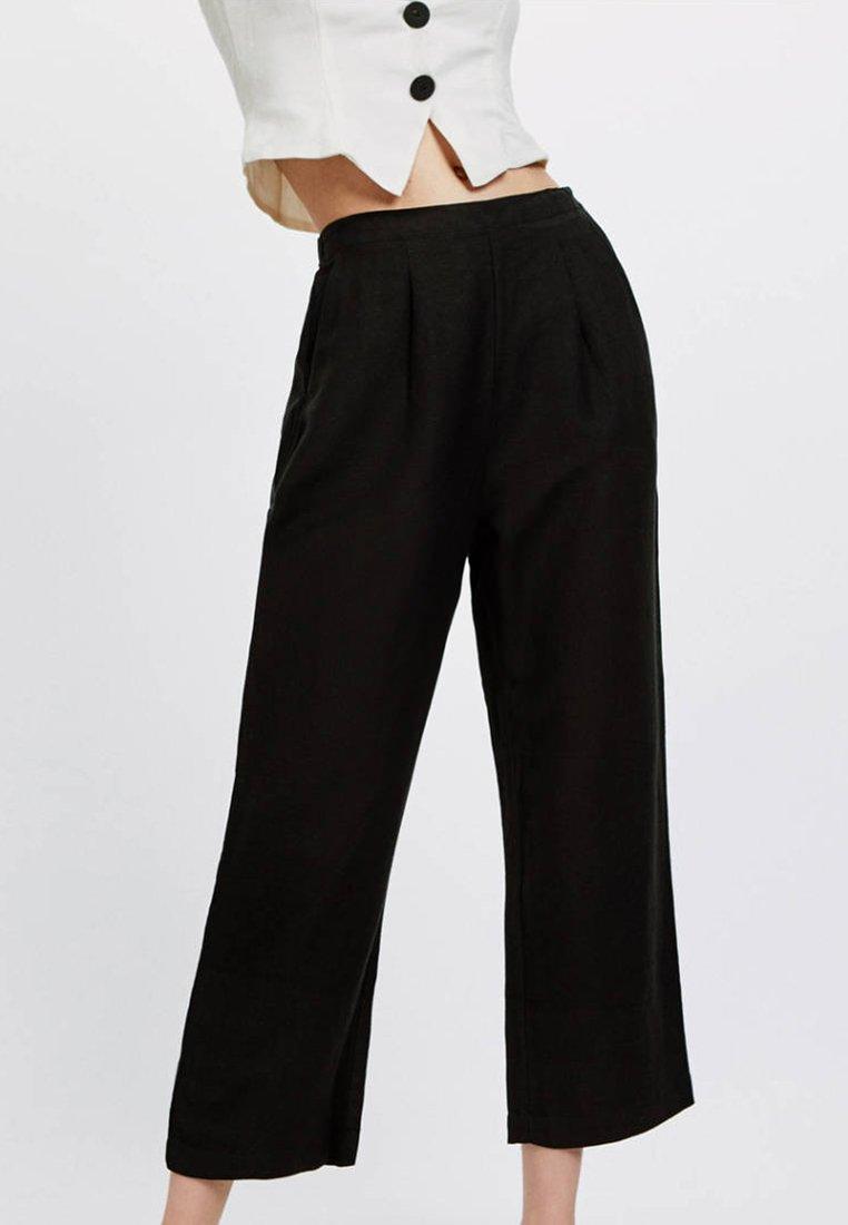 OYSHO - Spodnie materiałowe - black