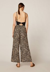 OYSHO - Trousers - brown - 2