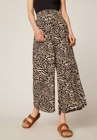 OYSHO - Trousers - brown - 0