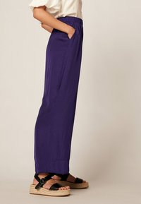 OYSHO - Trousers - dark purple - 3