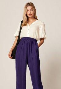 OYSHO - Trousers - dark purple - 2