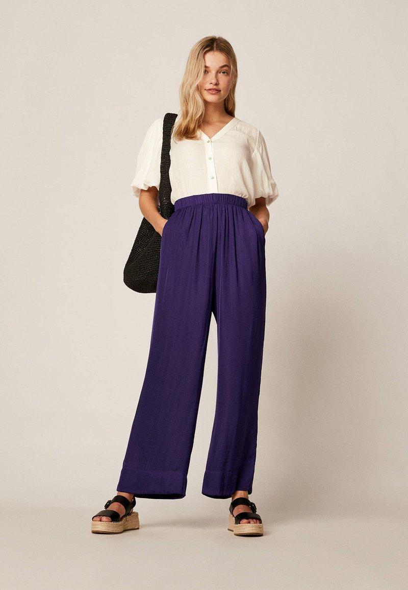 OYSHO - Trousers - dark purple