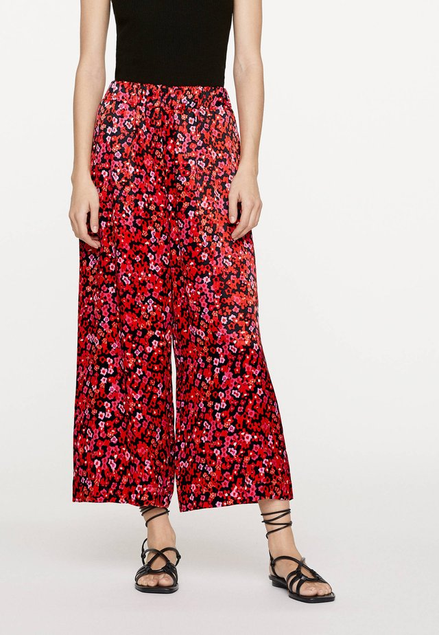 MIT IKAT-BLUMENPRINT  - Spodnie materiałowe - red