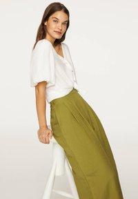 OYSHO - PALAZZO - Trousers - green - 4