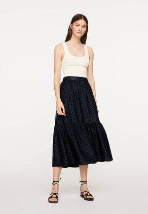 SATINIERTER MIDIROCK MIT PUNKTEN 31068138 - A-line skirt - dark blue