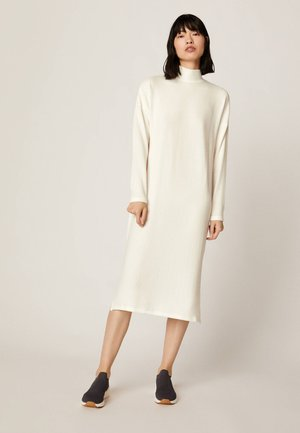Robe pull - white
