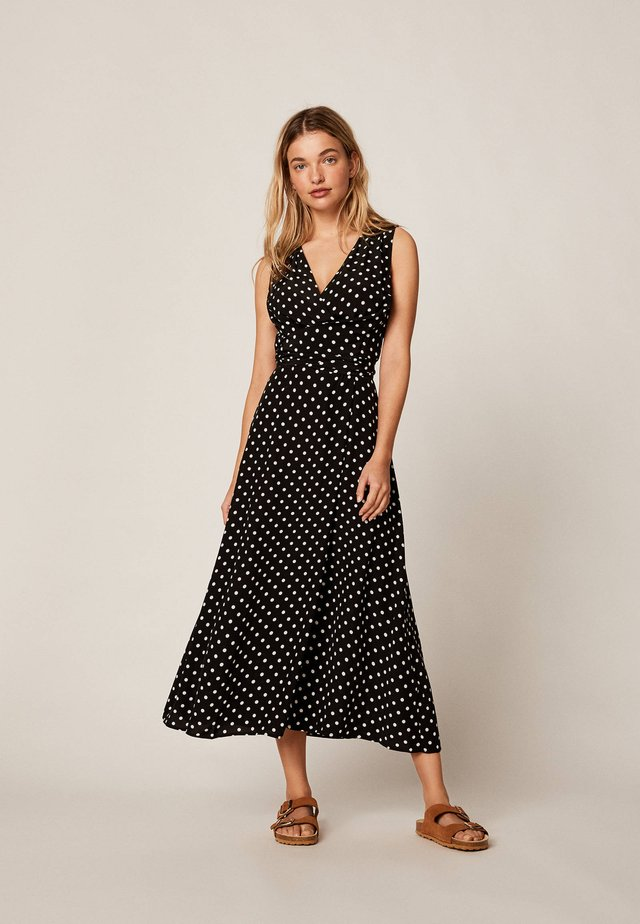 MIT MITTELGROSSEN PUNKTEN - Maxi šaty - black