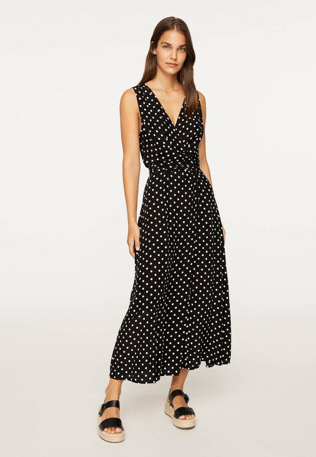 MIT MITTELGROSSEN PUNKTEN - Maxi dress - black