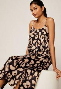 OYSHO - MIT LEOPARDENPRINT - Korte jurk - black - 3