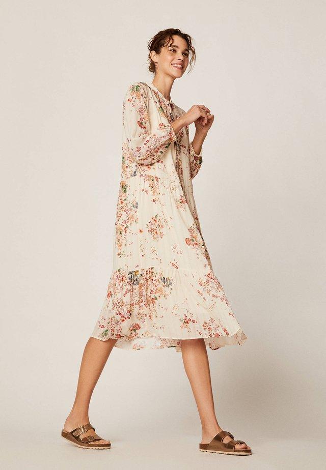 MIT MEHRFARBIGEM BLÜMCHENPRINT 30271192 - Korte jurk - beige