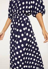 OYSHO - GETUPFTES KLEID 31962115 - Robe d'été - dark blue - 3
