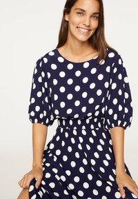 OYSHO - GETUPFTES KLEID 31962115 - Day dress - dark blue - 4